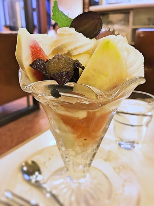 鎌倉イワタコーヒーのパフェ