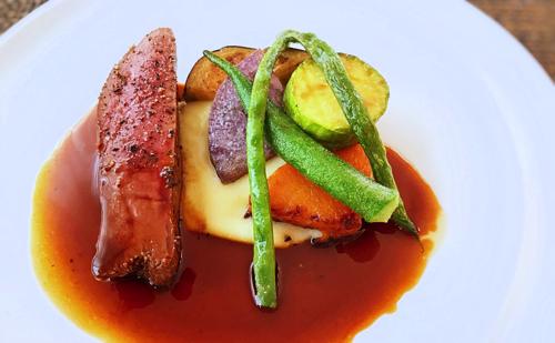 サラマンジェドヨシノランチコース お肉料理