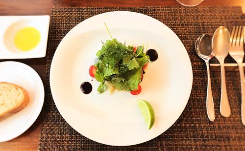 サラマンジェドヨシノの前菜