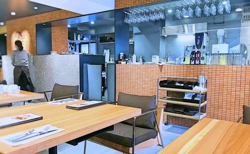 鎌倉紅谷2階サロンドクルミッ子の店内の様子
