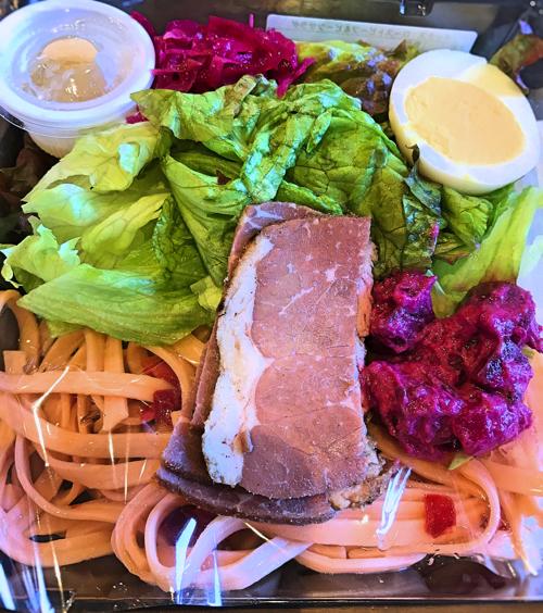 スターバックス デリボックス ローストビーフ&ビーツサラダの写真