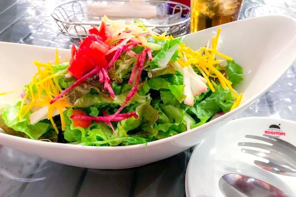 鎌倉ルーフトップスの鎌倉野菜のグリーンサラダ950円