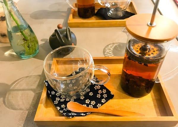 鎌倉カフェ 茶屋ひなた「ドリンクセット」の紅茶写真
