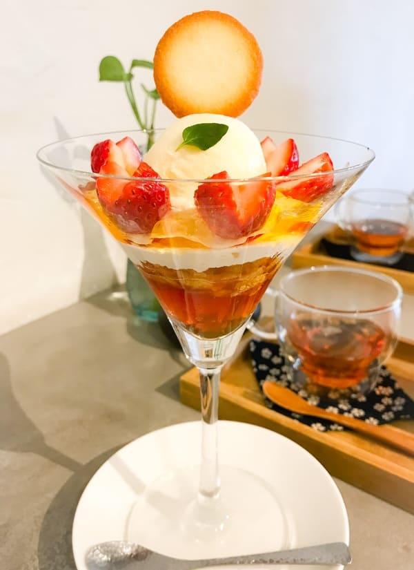 鎌倉カフェ「茶屋ひなた」バニラアイスといちごのサンデー 写真 ブログ