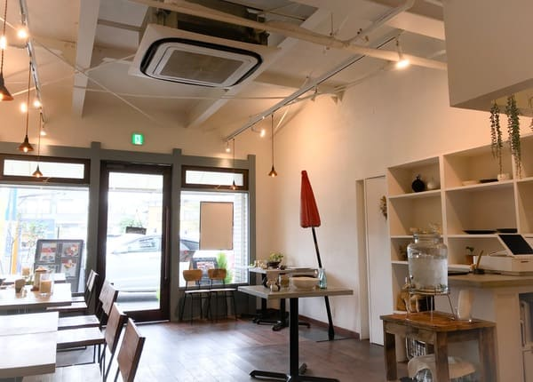 鎌倉カフェ「茶屋ひなた」の店内の写真