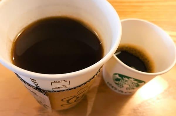 スターバックス コーヒーセミナーでの 飲み比べの様子写真