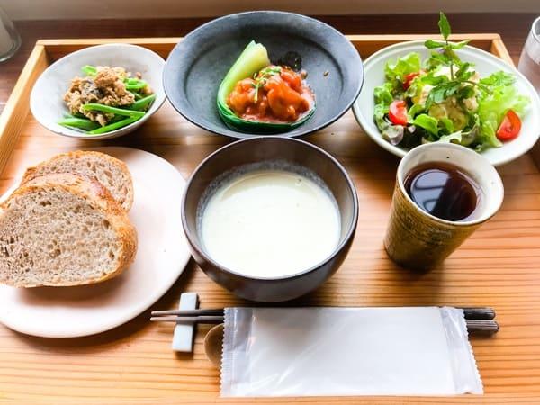 鎌倉 sahan サハン「パンの定食」